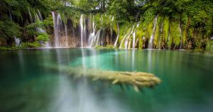 Kroatien Roadtrip Plitvicer Seen Holz