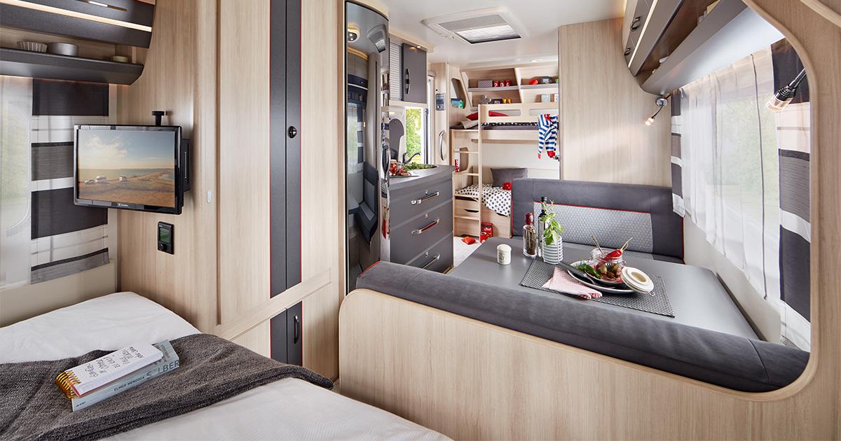 Wohnwagen Mit Etagenbett Und Französischem Bett : Wohnwagen für familien eine Übersicht i love camping